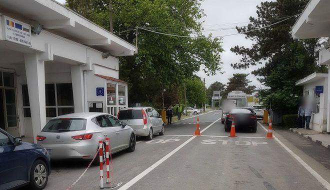 Autoutilitară furată din Spania, găsită la frontieră, la Negru Vodă - masinagarda-1610293477.jpg