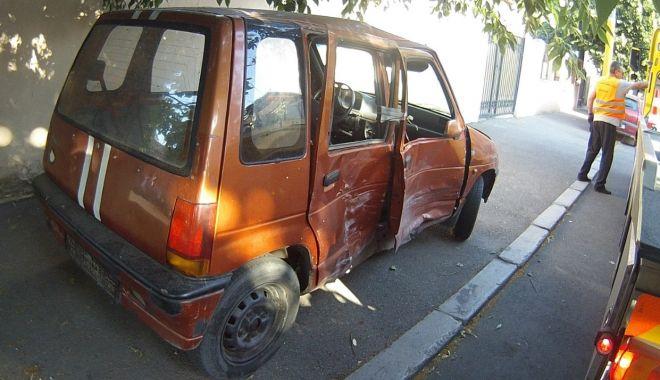"""Foto: Apel de la Poliția Locală: """"Spuneți-ne unde sunt mașini abandonate!"""""""