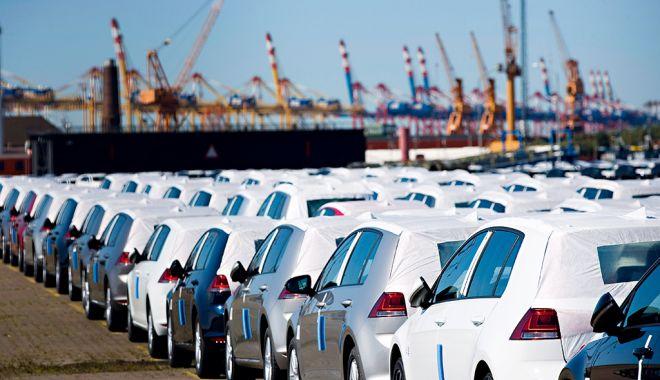 Foto: Mașinile și produsele manufacturate domină comerțul exterior al țării