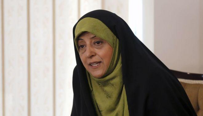 O vicepreședintă a Iranului are coronavirus. A fost fotografiată în apropierea președintelui Rouhani - masoumehebtekar-1582820077.jpg