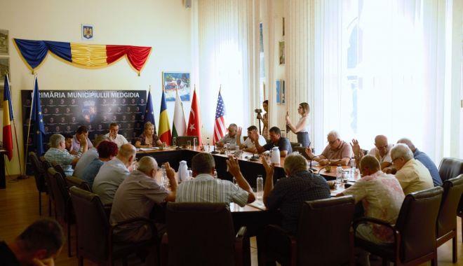 Foto: Consilierii din Medgidia, vot favorabil pentru o bază sportivă la Valea Dacilor