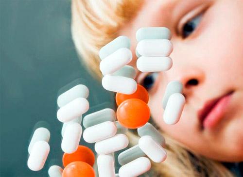 Foto: Antibioticele salvatoare. Sunt periculoase?