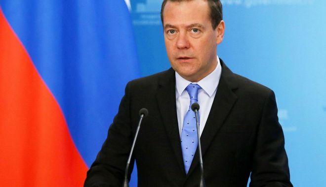 Medvedev acuză Washingtonul că dorește să impună Cubei o blocadă energetică - medvedev-1570225071.jpg