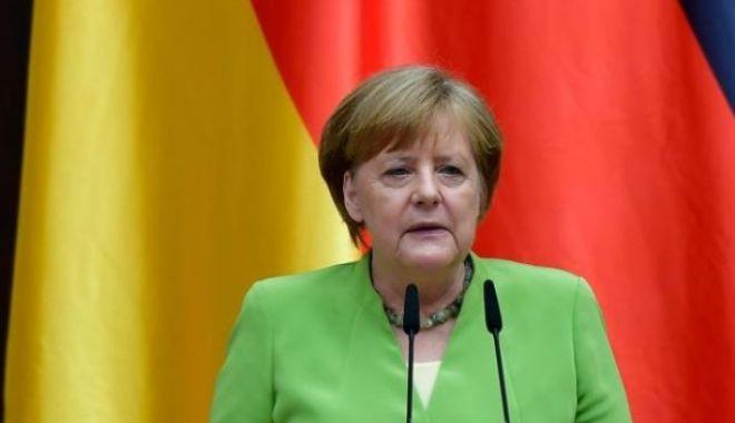 Foto: Merkel mulțumește Ungariei pentru rolul avut în căderea Zidului Berlinului
