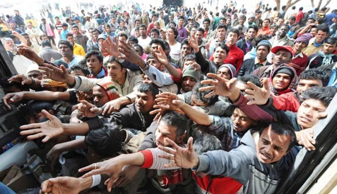 Atena a transferat  cu feriboturi încă o mie  de migranți pe continent - migrantiatena-1456921851.jpg