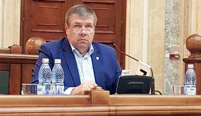 Senatorul Ștefan Mihu propune schimbarea vacanței de vară. Care este perioada propusă - mihu583x360-1536075077.jpg