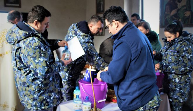 Foto: Militarii de la Capu Midia au primit apă sfințită, de Bobotează