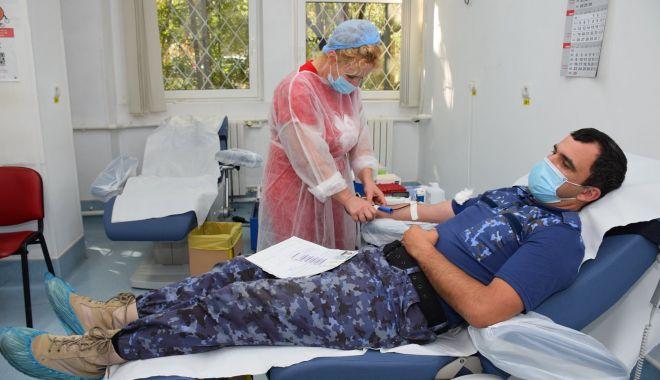 Militarii salvează vieți prin donarea de sânge - militarisange1-1601317303.jpg