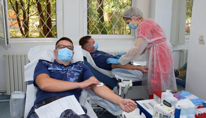 Militarii salvează vieți prin donarea de sânge - militarisange2-1601317317.jpg