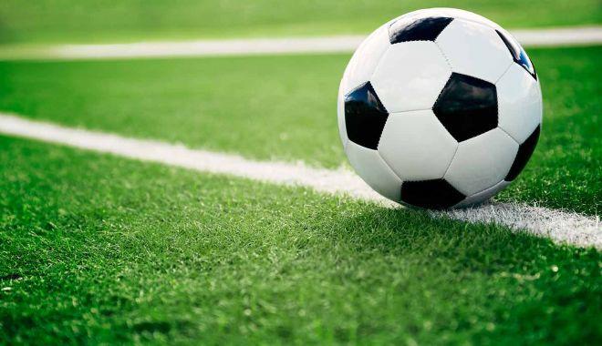 Foto: Meci de fotbal între