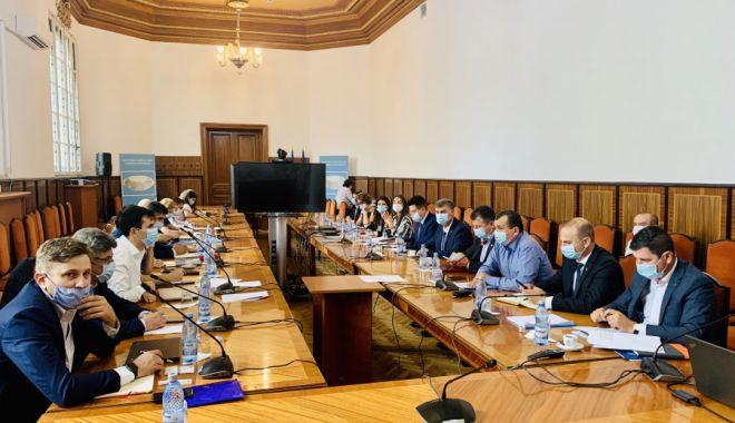 Foto: Ministerul Agriculturii cere sprijinul mediului academic