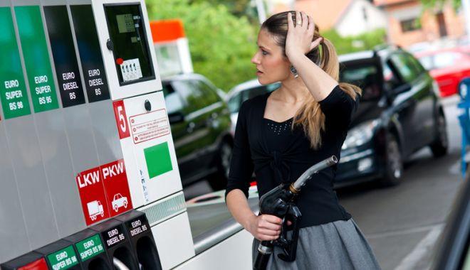 Foto: Ministrul Finanțelor: Numărul taxelor trebuie redus, acciza la carburanți ar putea fi eliminată
