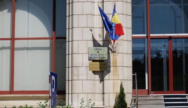 DEMISIE BOMBĂ ÎN MINISTERUL JUSTIȚIEI - ministeruljustitieidezbaterepubl-1486109647.jpg
