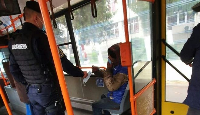 Jandarmii în control la Constanța: au dat amenzi în gară, autobuze și piețe! - misiunijandarmi12-1604248163.jpg