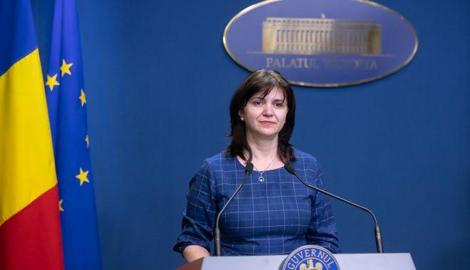 Foto: Ministrul Educației: Ne dorim ca toți elevii și profesorii să fie în siguranță la școală