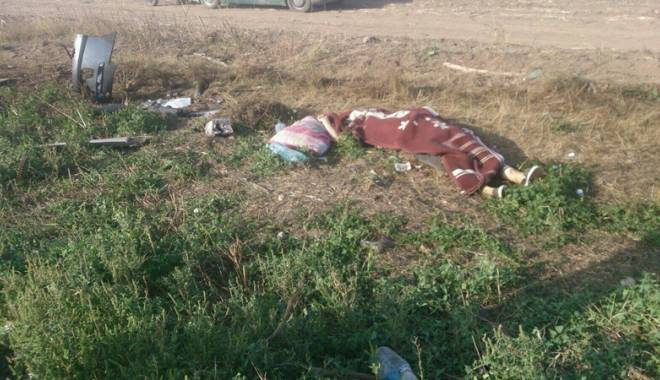 Imagini de groază, la Constanța. Trei morți într-un accident rutier. Femeia a fost aruncată prin ușa autocarului - mortal8-1442597326.jpg