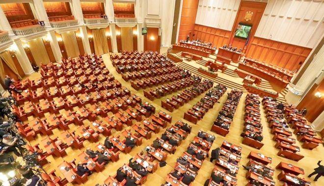 Foto: Parlament / A început ședința comună în care este citită moțiunea de cenzură