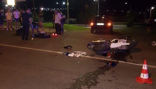 Foto: Galerie foto. Bărbatul care l-a lovit mortal pe motociclistul fără permis, de la Valu Traian, arestat