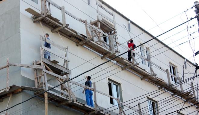 Foto: ITM. Sute de persoane, depistate muncind la negru