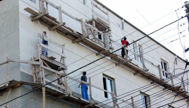 Foto: Inspecția Muncii. Peste 150 de persoane depistate muncind la negru