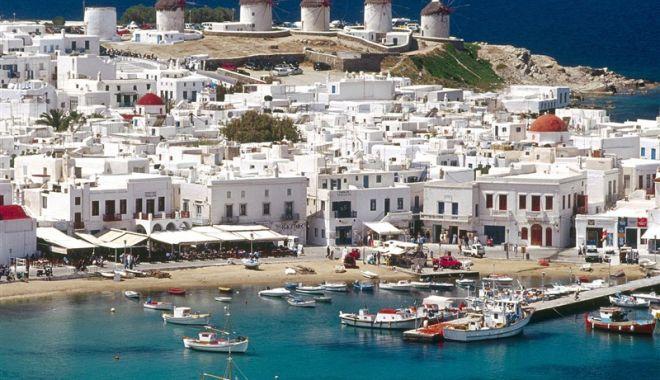 Grecia ar putea să închidă insulele Mykonos și Ios, din cauza îmbolnăvirilor cu varianta Delta - mykonos-1627637255.jpg