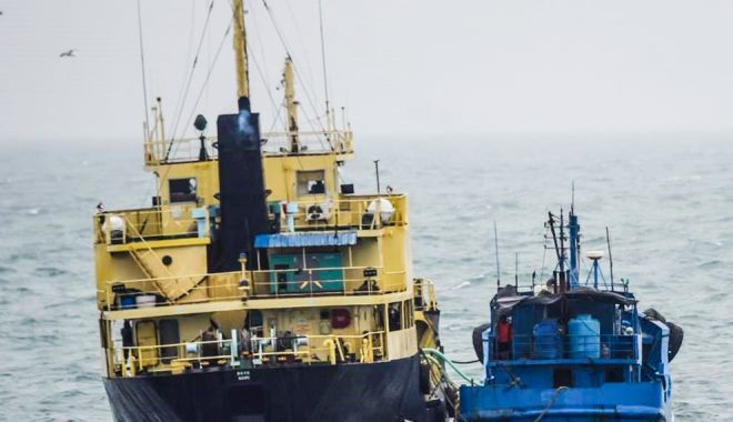 Foto: Navele sub standard ocolesc porturile românești