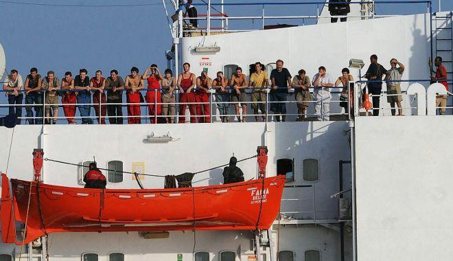 """Foto: Navigatorii de pe """"pușcăriile plutitoare"""" nu mai acceptă prelungirea contractelor de îmbarcare!"""
