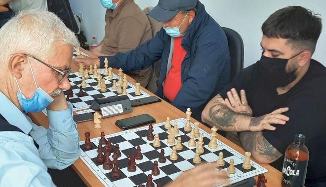 Năvodariul, pus pe harta şahului românesc. Alexandru Kutnic - campion! - navodari2-1623161206.jpg