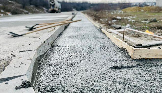 """Primăria Năvodari: """"Lucrările pentru construirea primului cartier pentru tineri sunt avansate"""" - navodariasfaltare1-1614019763.jpg"""