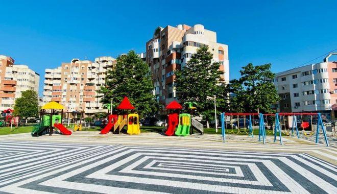 Foto: Administrația locală a amenajat un loc de joacă nou în Parcul Central din Năvodari