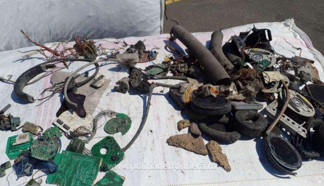 Containere de deșeuri descoperite în portul Agigea Sud urmează să fie trimise înapoi în Germania - nc5qcgcmagfzad0wowexmzkwn2njztay-1620477321.jpg