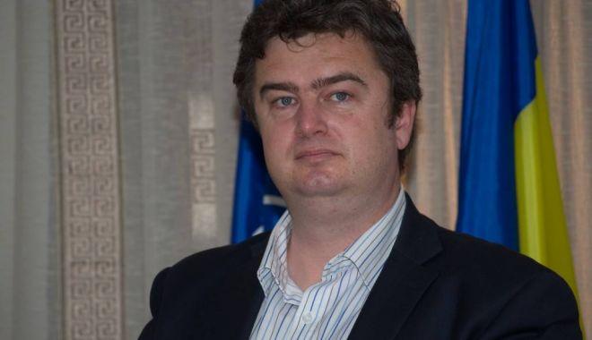 Foto: Deputatul Ioan Cătălin Nechifor solicită premierului ca anul școlar 2020-2021 să înceapă la 1 octombrie