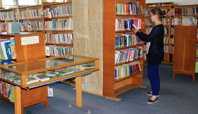 Foto: Bibliotecarii constănțeni au cinstit memoria lui Costache Negri