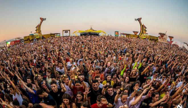 Evenimentele cu peste 1.000 de participanți, interzise până la 31 august - neversea1579609674-1590738274.jpg