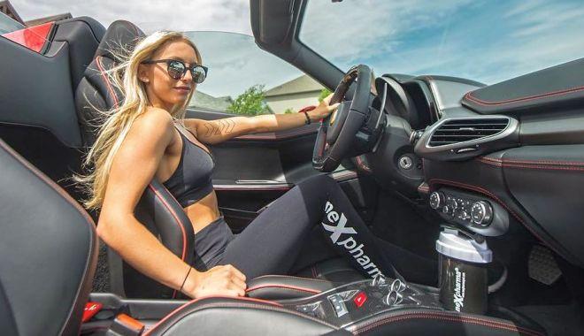 Foto: Niciodată nu lași singure patru blonde în mașină…