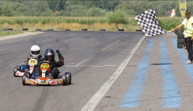 Foto: Nicio etapă fără emoții în Campionatul Național de karting! Frații Onoaie, curse excelente