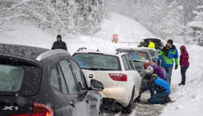 Ninsori puternice în Austria și Italia. Drumuri blocate! - ninsoritirol75048600-1573653605.jpg