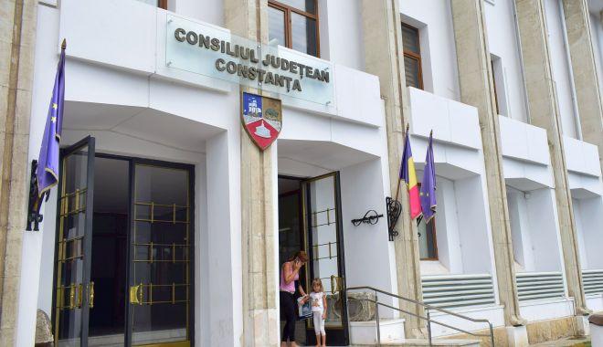 Foto: Noul coronavirus a ajuns la Consiliul Județean. Președintele Horia Țuțuianu, în autoizolare