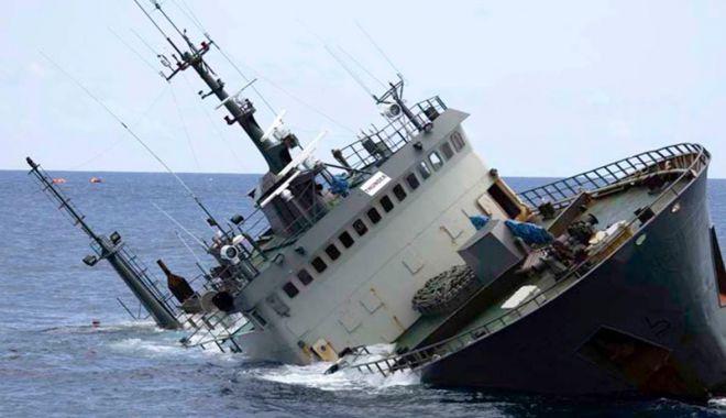Foto: Numărul accidentelor navale e în declin, dar actele de piraterie sunt mai frecvente