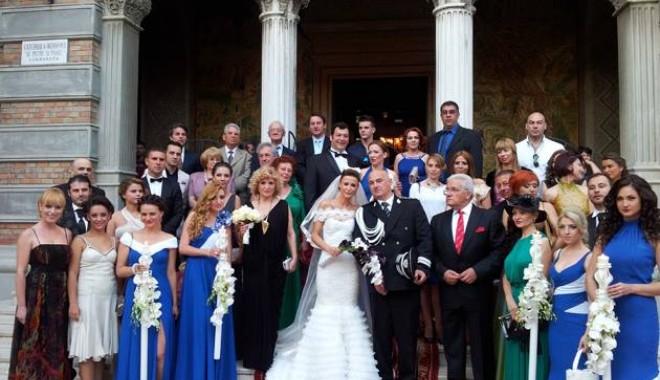 Galerie FOTO. NUNTA ANULUI LA CONSTANȚA / Managerul Iaki Mamaia și șeful Crimei Organizate s-au căsătorit în stil rock-baroc - nuntapavel-1370161141.jpg