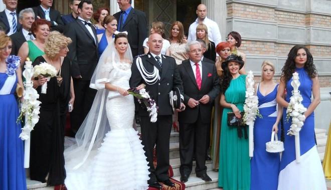 Galerie FOTO. NUNTA ANULUI LA CONSTANȚA / Managerul Iaki Mamaia și șeful Crimei Organizate s-au căsătorit în stil rock-baroc - nuntapavel1-1370161151.jpg
