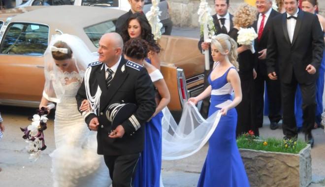 Galerie FOTO. NUNTA ANULUI LA CONSTANȚA / Managerul Iaki Mamaia și șeful Crimei Organizate s-au căsătorit în stil rock-baroc - nuntapavel3-1370161175.jpg