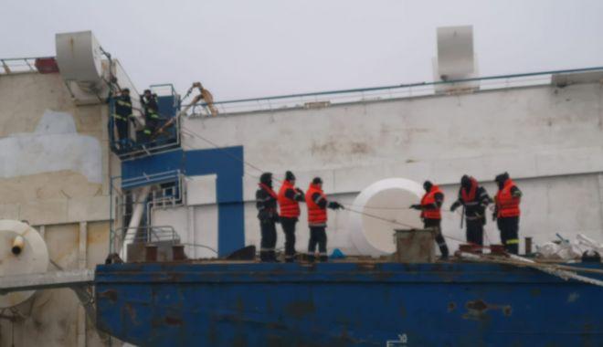 """Foto: Cine răspunde pentru incidentul naval din portul Midia. """"Sunt contradicții în declarații"""""""