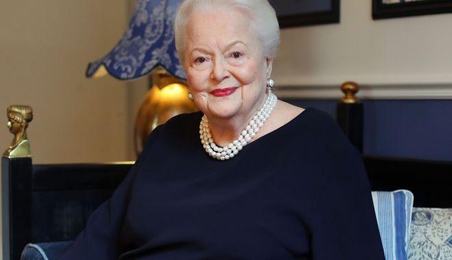 Doliu în lumea filmului. O cunoscută actriță, câștigătoare a două Oscaruri, a murit - oliviadehavilland-1595793309.jpg