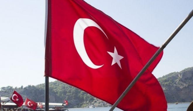 Foto: Noi epurări în Turcia: 144 de persoane din sistemul judiciar sunt bănuite de legături cu rețeaua clericului Fethullah Gulen