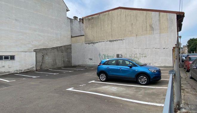 Foto: O nouă parcare, amenajată în centrul Constanței