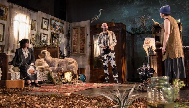"""Foto: """"Billy Șchiopul"""", un spectacol care poate rivaliza cu marile producții teatrale din țară"""