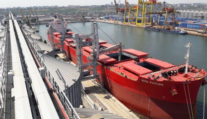 Operatorii privați din portul Constanța deschid noi fronturi de investiții în anul 2020 - operatoriiprivatidinportulconsta-1573085683.jpg