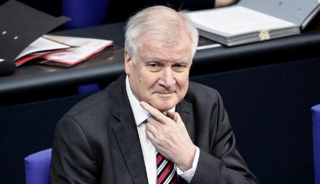 Foto: Opoziția din Germania îi cere ministrului de Interne, Horst Seehofer, să demisioneze