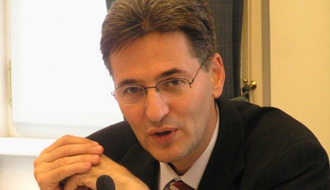 De ce s-a dus Leonard Orban la Emil Boc - orban-1315829651.jpg